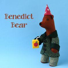 Benedict Bear - felt softie pattern PDF by ShinyHappyWorld on Etsy https://www.etsy.com/listing/237399351/benedict-bear-felt-softie-pattern-pdf