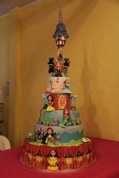 Awesome Disney princess cake!