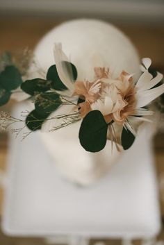 Stunning handmade feather flower bridal / bridesmaids crown. Flowers have been all hand wired and finished by Vanilla Hue. This amazing piece is a perfect addition to a boho style wedding or it would be perfect for a intimate beach affair! This piece is available in color combinations or single feathers. Stamen in the middle of each flower is always ivory! Available colors ( as pictured above from right to left) are: Ivory, vintage blue, blush peach and steel gray.  IMPORTANT DETAILS BE...