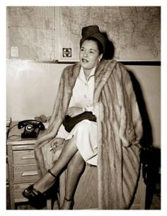 Net Photo: Billie Holiday: Image ID: . Pic of Billie Holiday - Latest Billie Holiday Image. Billie Holiday, Jazz Artists, Jazz Musicians, Marilyn Monroe, Divas, Lady Sings The Blues, Vintage Black Glamour, Jazz Blues, Blues Music