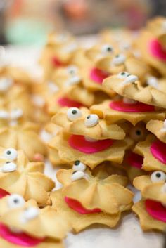 clam shell butter cookies ~ adorable for a mermaid, beach or under the sea themed party!