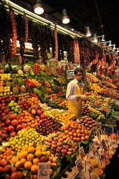 Fruit market in EI Raval, Barcelona, Catalonia_ Spain