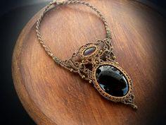 Collar de macrame con Onyx negro y amatista por EarthBoundMacrame