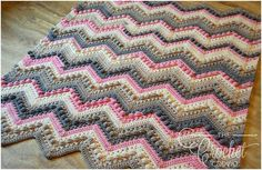 Kisses and Hugs – Baby Blanket - Free Crochet Pattern