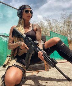 Self Defense Women, Tumbrl Girls, Gun Art, Rey Star Wars, Female Soldier, Military Women, Ted, Armada, N Girls