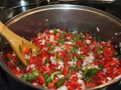 Canning Granny: Canning Bell Pepper Relish. Making it now, smells really good. Relish Recipes, Canning Recipes, Appetizer Recipes, Appetizers, Bell Pepper Relish Recipe, Canning Bell Peppers, Canning Food Preservation, Preserving Food, Canning Granny