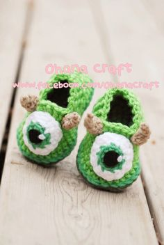 Too many cute ideas, and no pregnant friends to make these for. Mike Wazaoski baby booties 0~12 months
