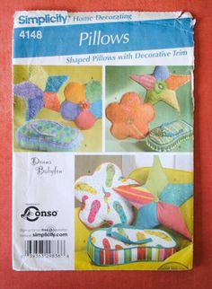 Uncut Home Decor Craft Shaped Decorative Trim Star Flower Flip Flop Sandal Pillow Cushion Sewing Pattern Simplicity 4148 Donna Babylon Conso