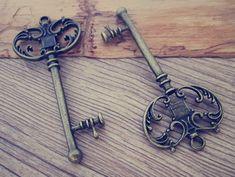 10ST Schlüssel Antik Bronze Anhänger Charms 29mmx66mm von happycord
