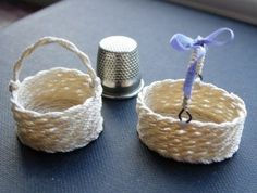 No sew miniature round or oval basket - detailed, illustrated instructions | Source: CDMH