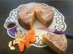 Una torta alla zucca morbida e deliziosa, simbolo dell'autunno con i suoi caldi colori e simbolo di Halloween. Ecco una ricetta semplice e genuina!