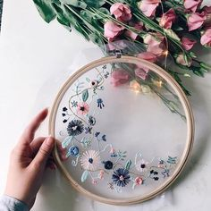 Embroidery on transparent fabric - DIY Sticken wedding veil photography Hand Embroidery Videos, Embroidery Flowers Pattern, Hand Embroidery Stitches, Embroidery Hoop Art, Hand Embroidery Designs, Ribbon Embroidery, Sewing Stitches, Embroidery Ideas, Floral Embroidery