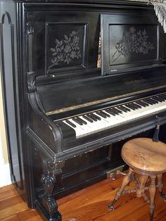 vintage piano. I grew up playing one that looked almost identical to this one.  So wish I knew the ppl who bought it, I would love to buy it back.