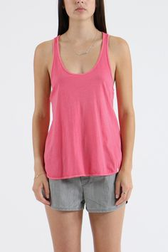 Much like common sense, Volcom's Lived In Racer Back is a basic you need in your life. It's relaxed fitting, sleeveless, pink and scooped neck. Our model is 173cm and is wearing a size 10.