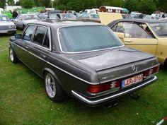 Custom 1986 Silver Mercedes-Benz W123