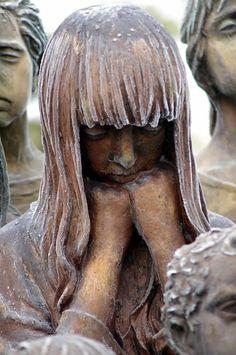 monumento niños víctimas-guerra Lídice