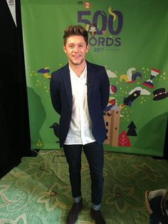 Who knew Niall would be such a delight to the eyes during Hiatus