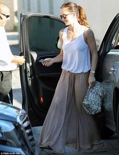 Minka Kelly.. casual, floaty and natural style..