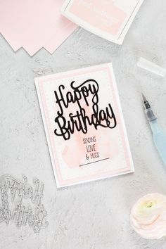 Eine Geburtstagskarte in der Farbe Puderrosa, welche mit den Thinlits happy Birthday und dem Stempelset Sunshine Sayings von Stampin' Up! gebastelt wurde.