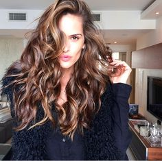Izabel Goulart's Hair. That thick hair. o.0 #hair #envy