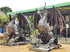 "Dragon statues twins lifesize,  from ""Scrap Metal Art Thailand (since 2012-07): over 50 welding artists; ceo: Namfon Suktawee • Namfon.Suktawee@Gmail.com • http://www.scrap-metal-art-thailand.com"