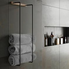 Towel Rack is a practical and stylish towel storage that fits perfectly into most appliances with it Towel Rack Bathroom, Bathroom Storage, Shower Towel, Kitchen Towels, Bad Inspiration, Bathroom Inspiration, Bathroom Ideas, Bathroom Trends, Bathroom Remodeling