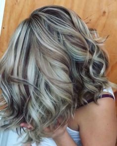 Ver esta publicación de Instagram de @hairby.ashleypac • 1,028 Me gusta Gorgeous Hair Color, Low Lights And Highlights, Black Highlights, Hair Highlights, Haircolor, Winter Hairstyles, Pretty Hairstyles, Dark Hair, Blonde Hair