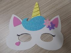 Kids Crafts, Diy And Crafts, Paper Crafts, Happy New Year Photo, Animal Face Mask, Birthday Photo Booths, Unicorn Crafts, Kindergarten Crafts, Kid Character
