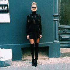 """berghain style - """"Google"""" paieška (Fitness Femme Inspiration) Cold Festival Outfit, Festival Outfits, Berlin Fashion, 90s Fashion, Daily Fashion, Autumn Fashion, Fashion Outfits, Womens Fashion, Berlin Techno"""