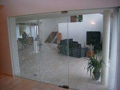 Glazendeur uitgevoerd in gelaagd veiligheidsglas waarbij de middelste glasplaat is gebroken Divider, Doors, Interior, Projects, Furniture, Home Decor, Log Projects, Blue Prints, Decoration Home