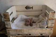 Panier rétro/vintage pour petit chien ou chat - motif arêtes de poisson