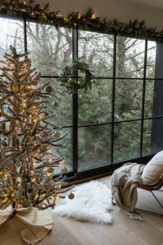 It doesn't really get much cozier than Christmas. Unless...you have a hygge Christmas. Here are some decor ideas on how to put a little bit of Scandinavia into your home this year. #scandinaviandesign #christmasdecor
