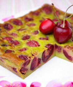Clafoutis cerises-pistache