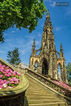 The Best Things to do in Edinburgh, Scotland. From climbing Arthur's Seat for great views to touring Edinburgh Castle, this guide has it all. | Blog by the Planet D #Travel #Edinburgh #Scotland | things to do in edinburgh | scotland edinburgh | edinburgh scotland | edinburgh castle | edinburgh food