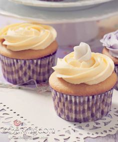 Sweet and Simple Mother's Day Cupcakes-Lemon Curd Cupcakes
