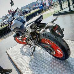 Yamaha to launch to take on Bajaj Pulsar, TVS Apache in India Yamaha Logo, Yamaha Yzf, Motorcycles In India, Cars And Motorcycles, Mt 15, Mt Bike, Airsoft Sniper, Bike Photoshoot, Cool Bikes
