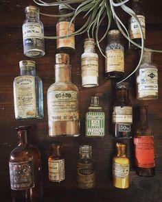 今日もよい1日を  #deco #rustic #brocante #antique #interior #vintage  #shabbychic #oldstyle #antiques #frenchstyle #decoration #ancien #antiqueshop #lovelyvintage #homedeco #shabby #retro #gardening #industrialantiques #antiquedesign#bottle #bouteille #レトロ #ラココット #シャビー #古道具 #ブロカント #アンティーク