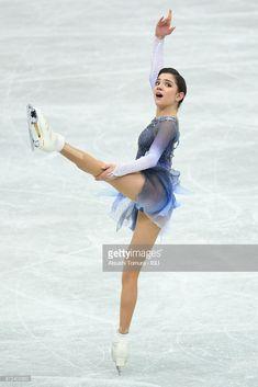 ニュース写真 : Evgenia Medvedeva of Russia competes in the...