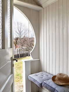 my scandinavian home: A pretty Swedish summer cottage