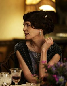 Elizabeth McGovern as Cora Crawley, Countess of Grantham in Downton Abbey (TV Series, 2014).