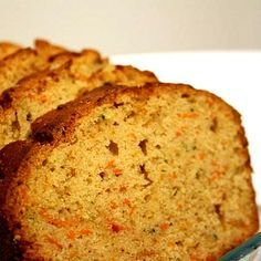 Whole Wheat Zucchini Or Carrot Bread Recipe - Replace zucchini or carrots with veggie pulp Carrot Bread Recipe, Banana Bread Recipes, Carrot Muffins, Juicer Pulp Recipes, Whole Food Recipes, Cooking Recipes, Delicious Desserts, Yummy Food, Baby Eating
