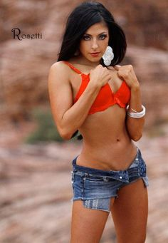 An awesome picture of IFBB Pro Bikini Athlete Skye Taylor shot by Rosetti. #bikini #fitness #IFBB