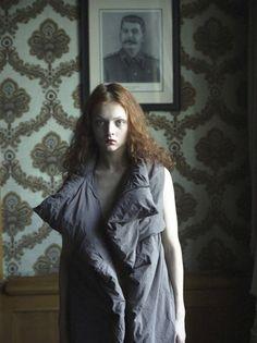 bienenkiste:  Stasya Izyumova by Hellen Van Meene, 2010
