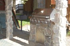 Outdoor Kitchen and Grill www.red-river-nm.com