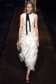 Erdem Spring 2016 Ready-to-Wear Fashion Show
