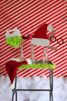 He may be a mean one, but these Grinch party ideas are sure to put a smile on even that old Grinch's face. If you are throwing a Christmas party this year.a Grinch party is the way to go! Christmas Party Table, School Christmas Party, Grinch Christmas Party, Office Holiday Party, Family Christmas, Holiday Fun, Christmas Holidays, Winter Holiday, Holiday Baking
