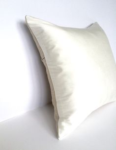 Silk & Linen Ivory Square Cotswold Cushion - Angle