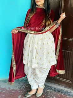 Party Wear Indian Dresses, Designer Party Wear Dresses, Dress Indian Style, Indian Fashion Dresses, Indian Designer Outfits, Indian Outfits, Designer Wear, Punjabi Suits Party Wear, Pakistani Dresses