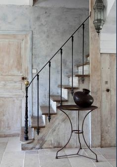 Rustic stair railing ideas stairs decoration to create stair Wrought Iron Stair Railing, Staircase Railings, Staircase Design, Stairways, Iron Railings, Banisters, Balustrade Design, Basement Staircase, Rustic Staircase