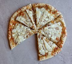 CARAMELIZED ONION, GORGONZOLA, AND PEAR PIZZA via BetterRecipes.com